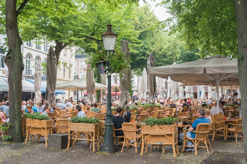 Ondernemersorganisaties: terrassen kunnen open (ook zonder testen)